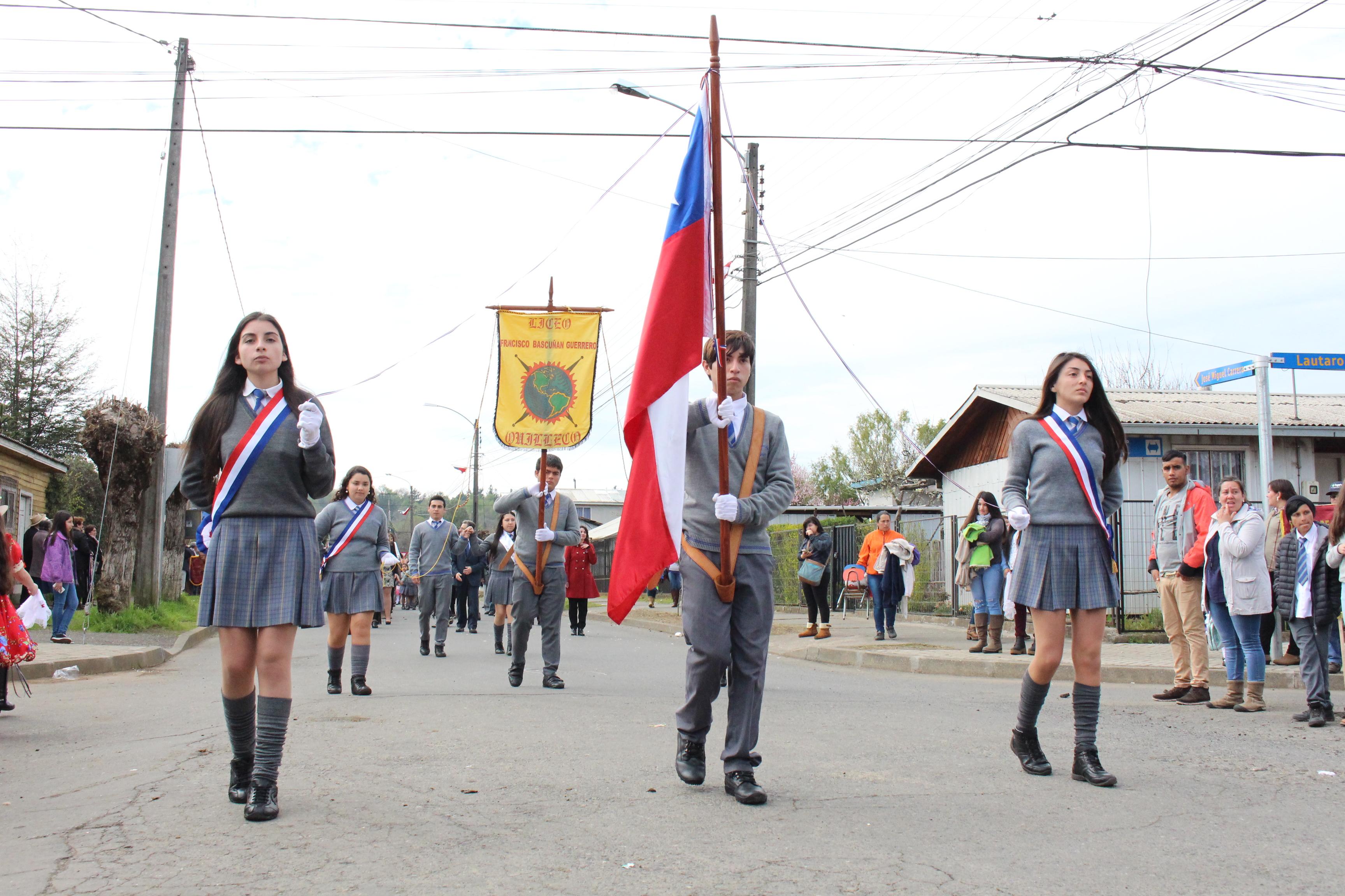 FUERZAS VIVAS DE QUILLECO SE CONGREGARON EN UN NUEVO ANIVERSARIO NACIONAL