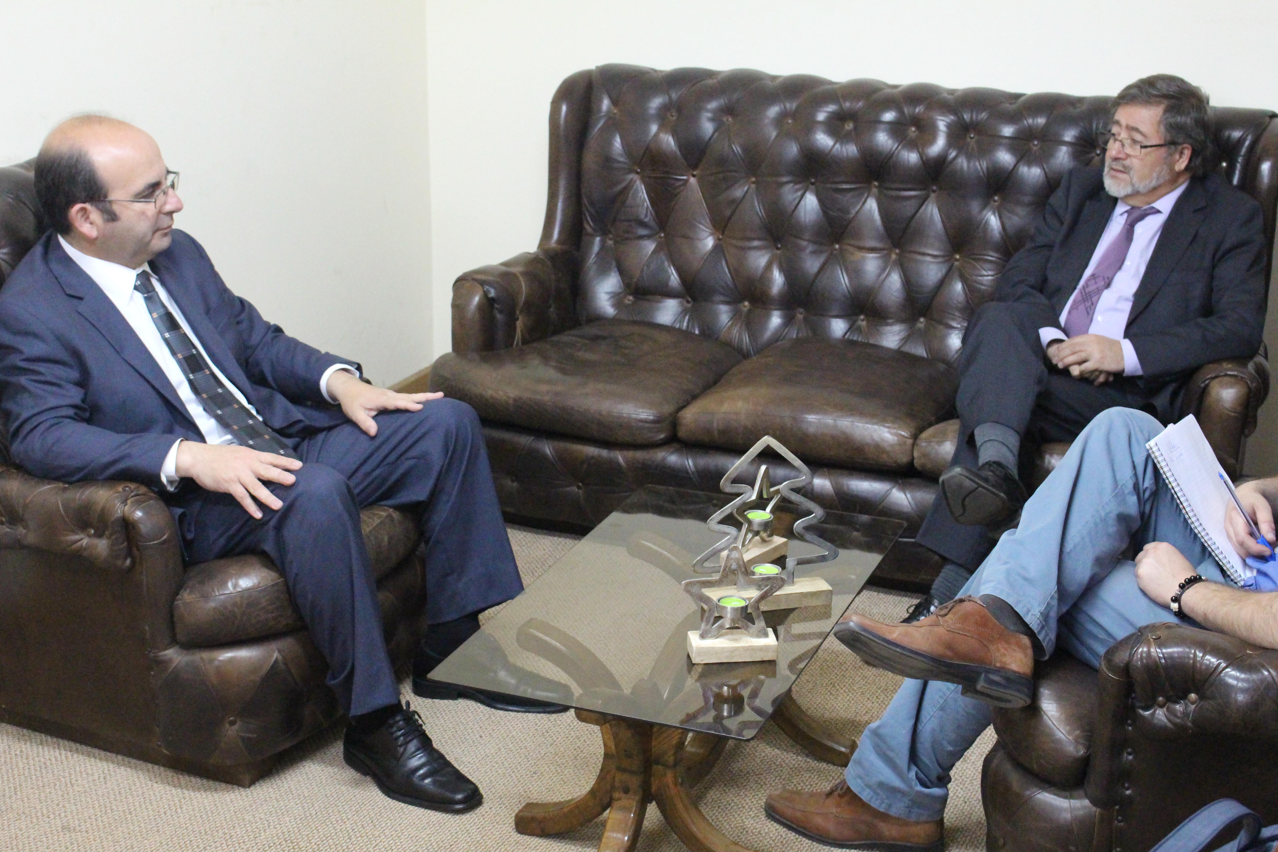 Gobernador realiza visita protocolar al alcalde de Quilleco