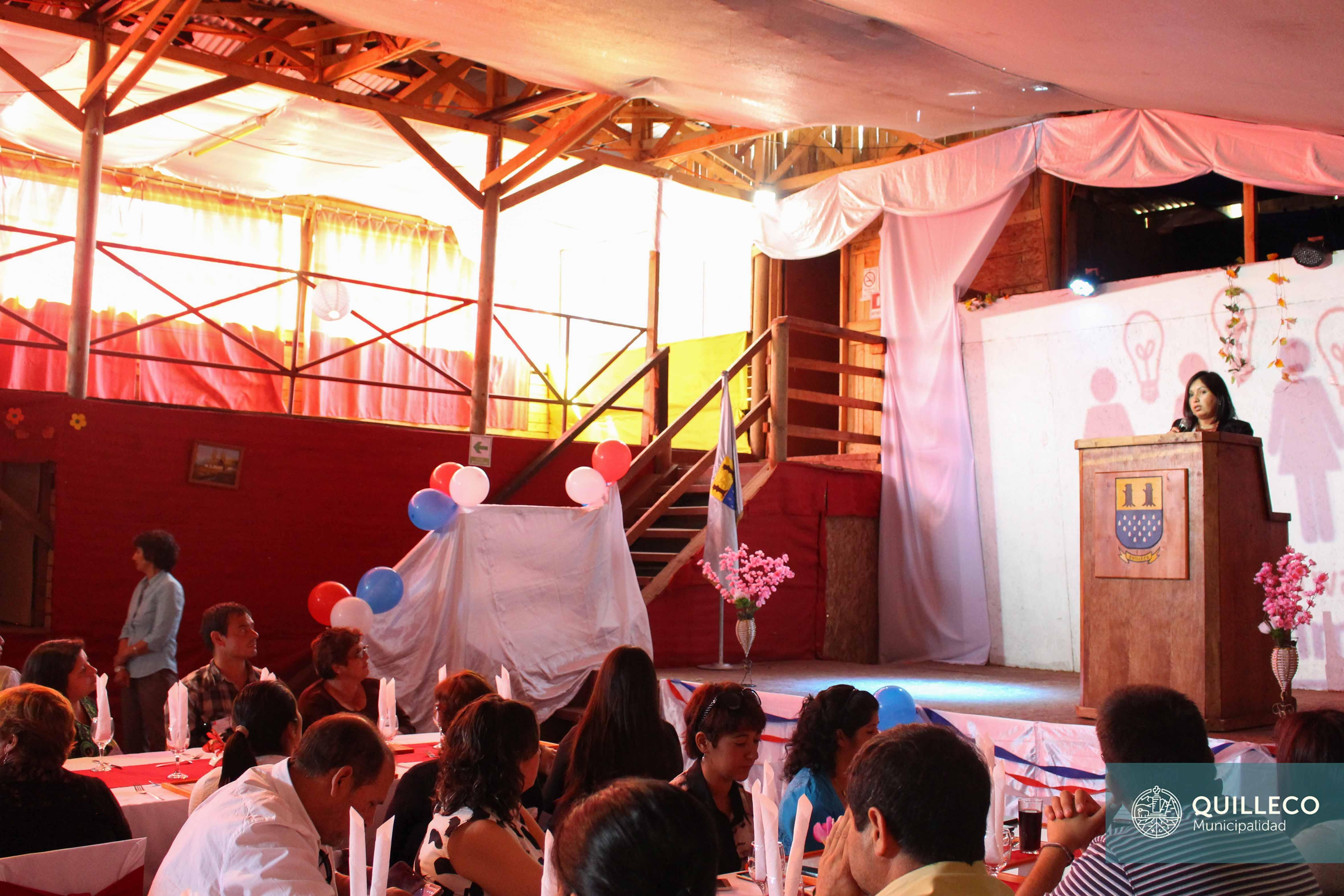 En Villa las Flores se hizo entrega de certificados del programa FOSIS: Yo Emprendo Semilla, Seguridades y Oportunidades.