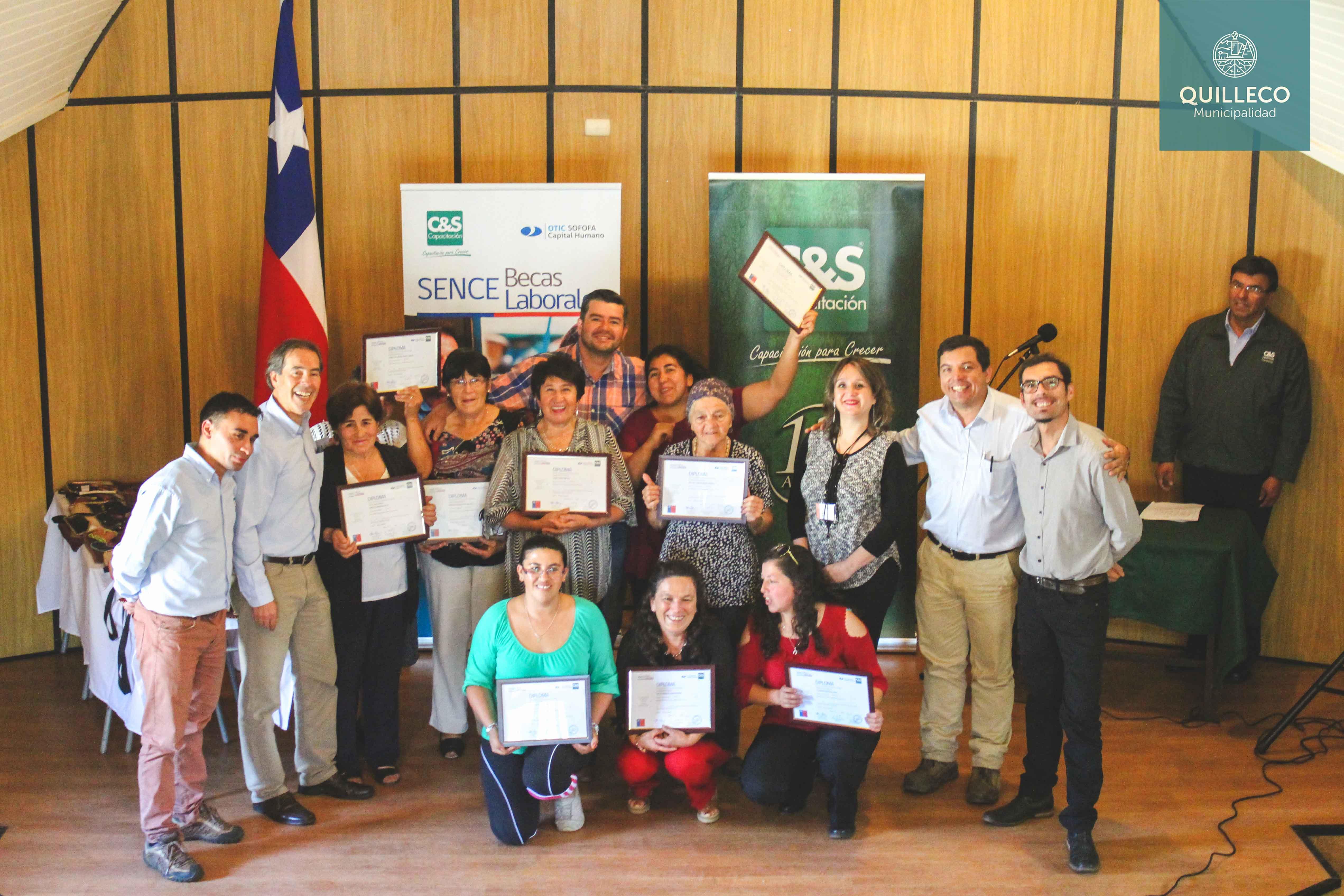 Vecinas del sector de la Águilas culminaron proceso de capacitación de Becas Laborales SENCE impulsadas por Forestal Mininco.