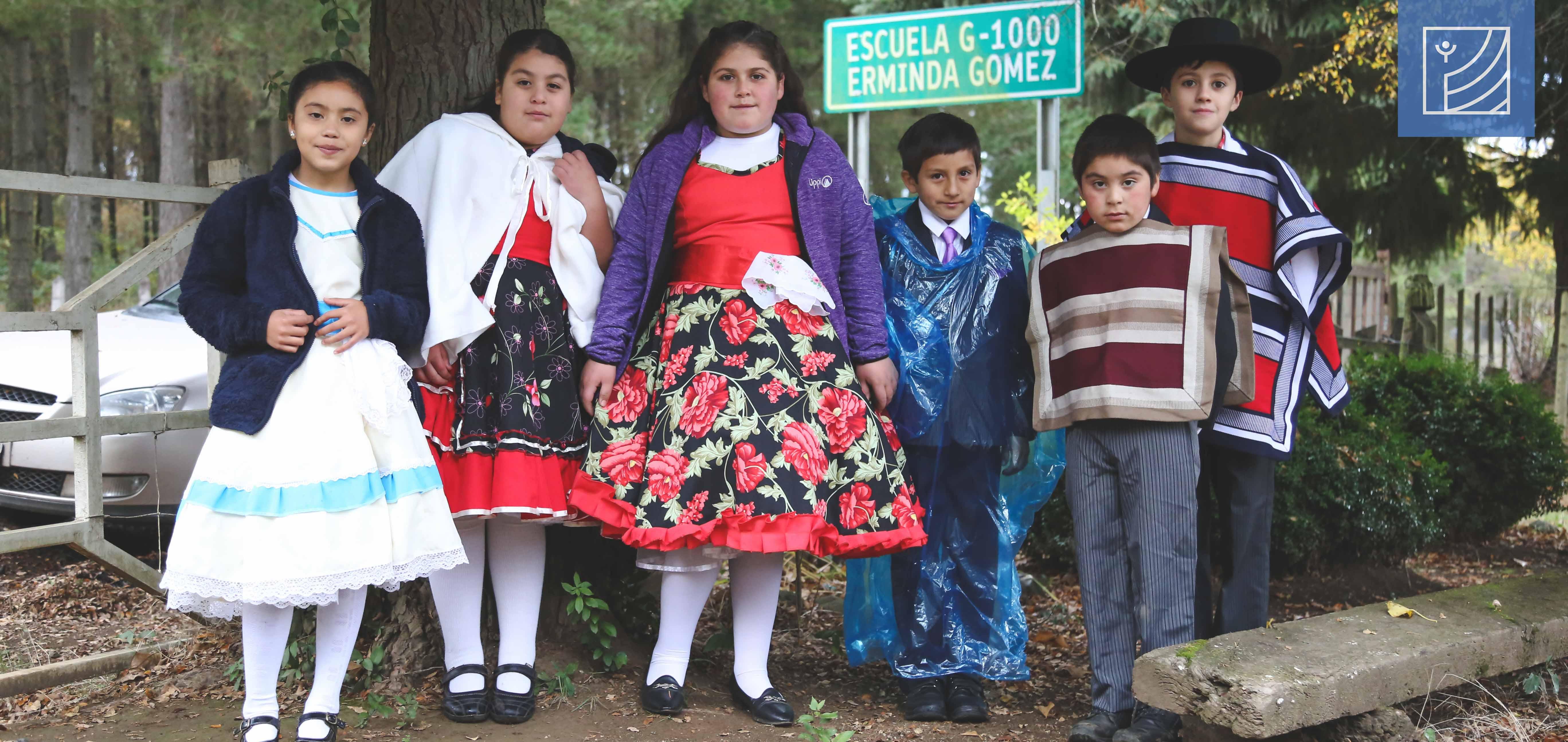 La escuela rural de Peralillo, G-1000 Erminda Gomez de Polic celebró sus 37 años.