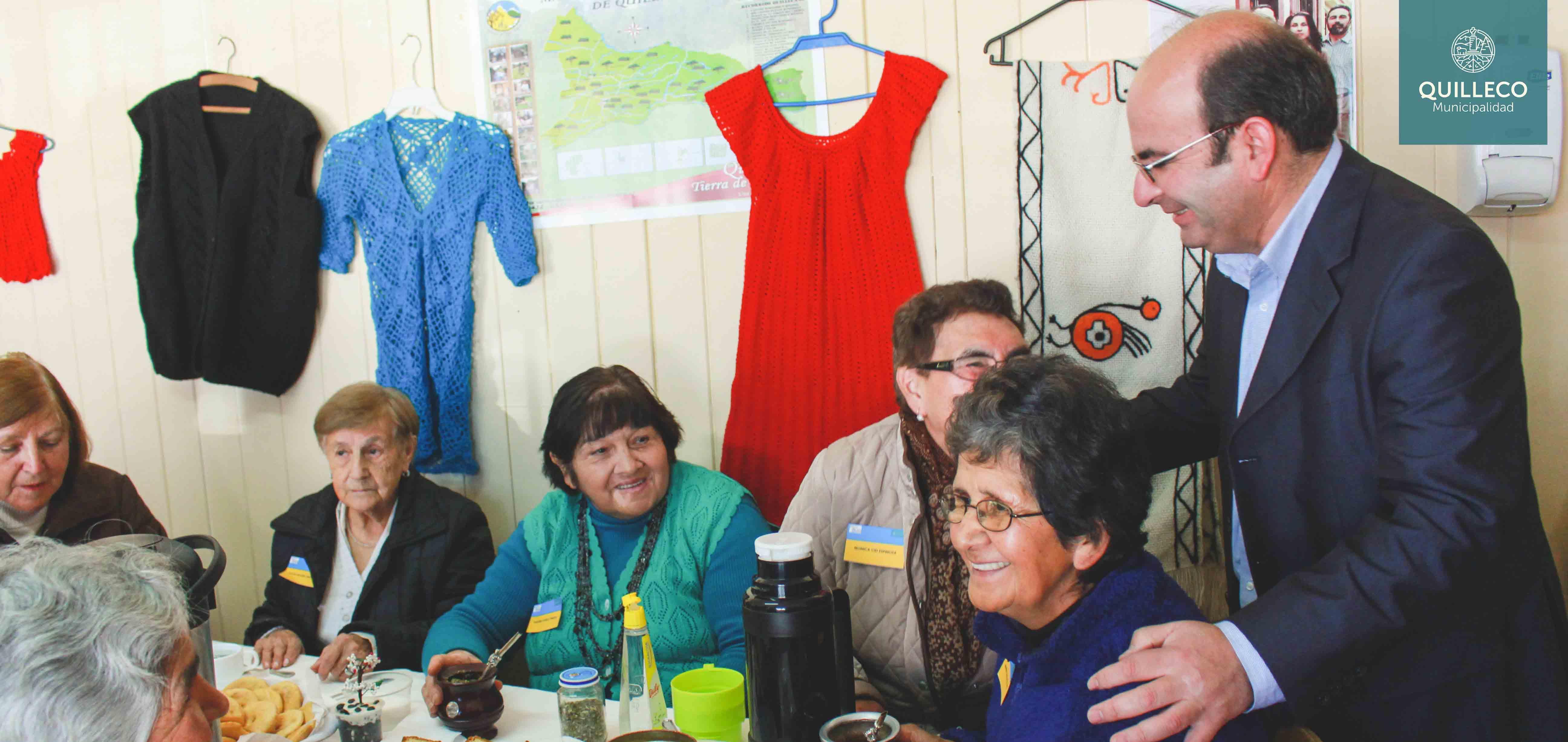 """Programa Vínculos del SSYO, realizó actividad denominada """"el MALON"""", organizada por adultos mayores."""