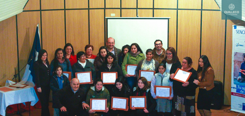 """En el auditorio de Quilleco se hizo entrega de certificados de la capacitación """"SENCE +Capaz, Mujer emprendedora"""""""