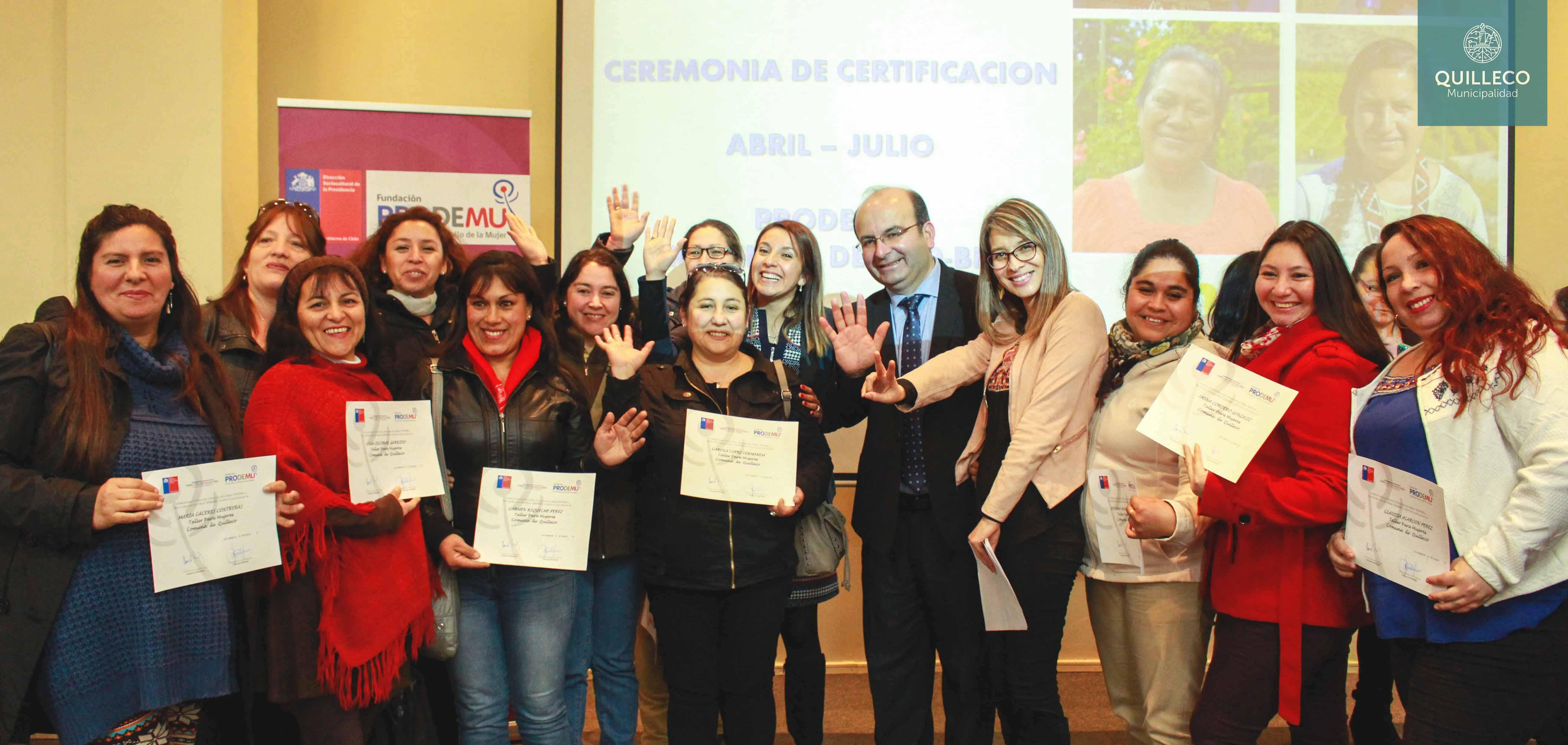 Vecinas de Las Canteras recibieron certificación PRODEMU en Universidad de Concepción sede Los Ángeles.