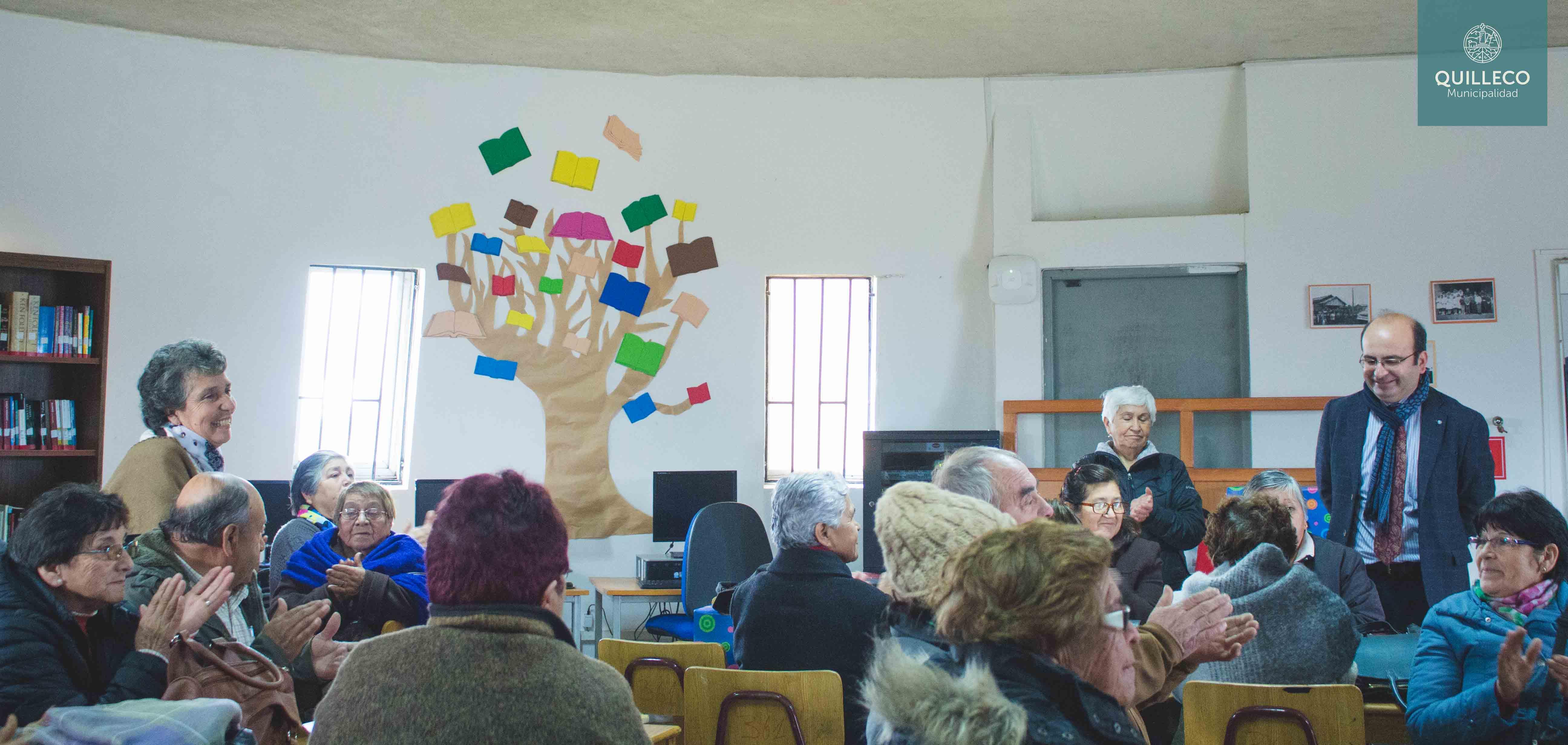 Reunión de la Unión Comunal de Adultos Mayores contó con la presencia de la primera autoridad comunal.
