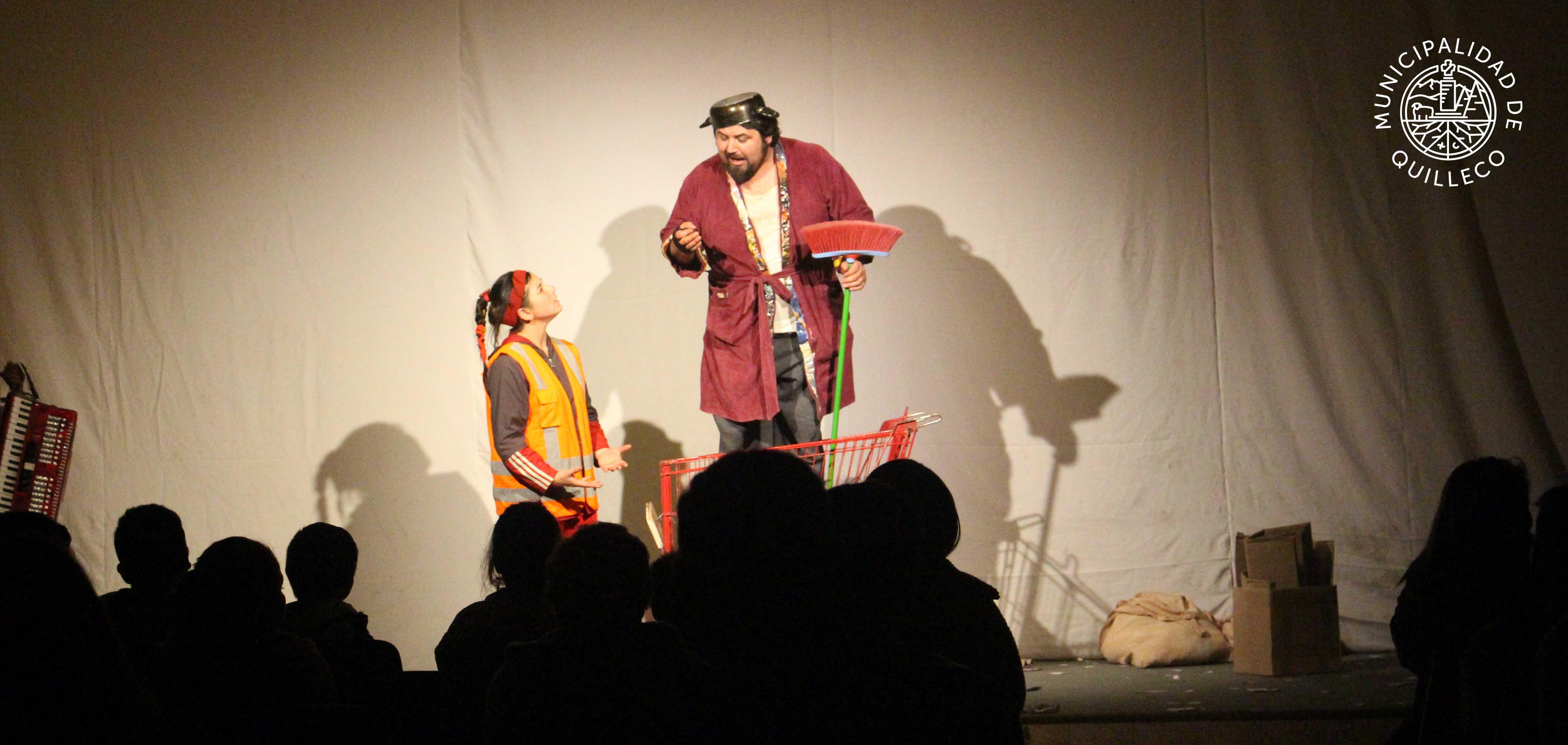 Con gran presentación concluyeron los talleres de artes circenses y teatro