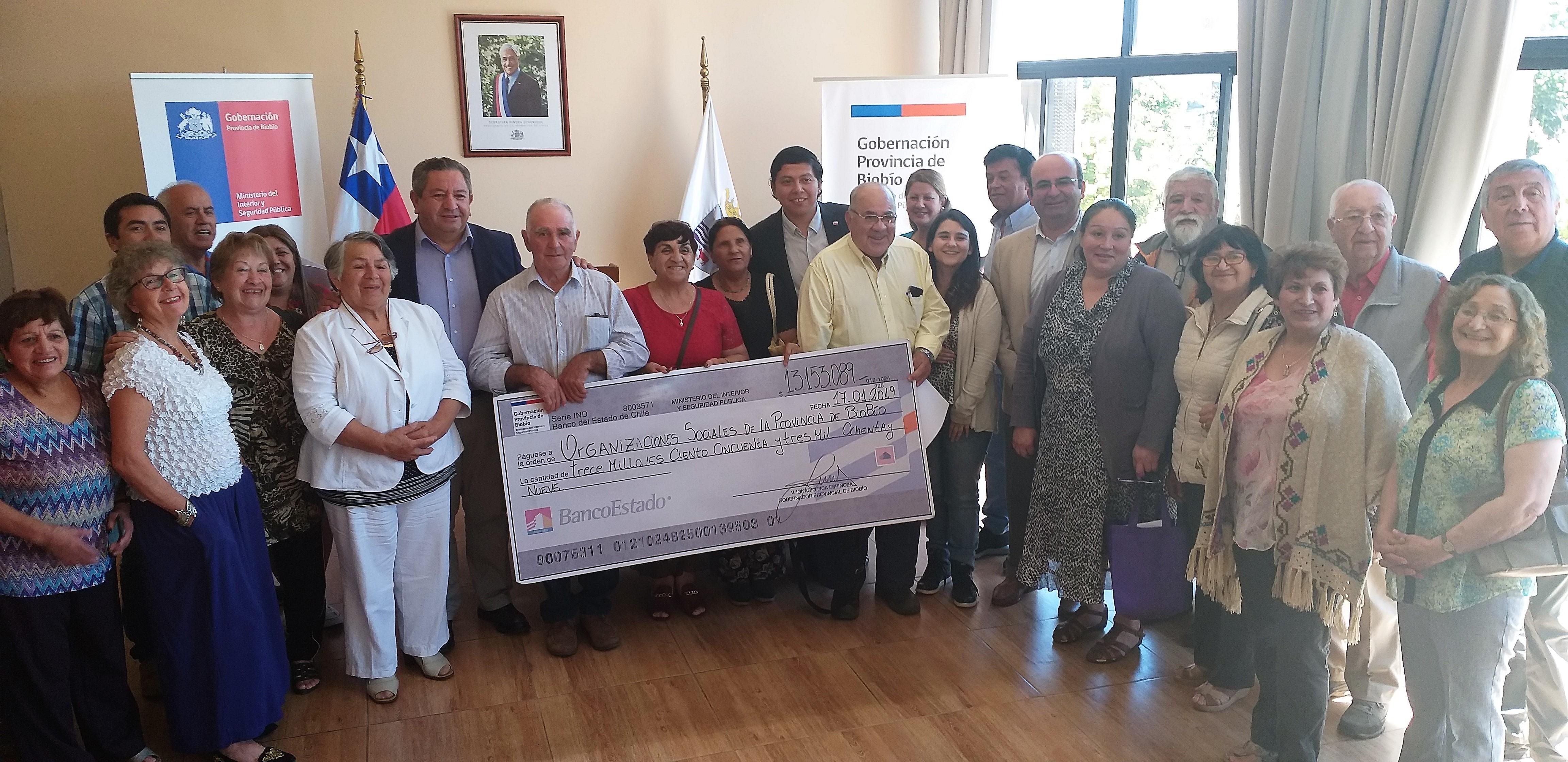 Representantes sociales reciben aportes del Fondo Social Presidente de la República 2018