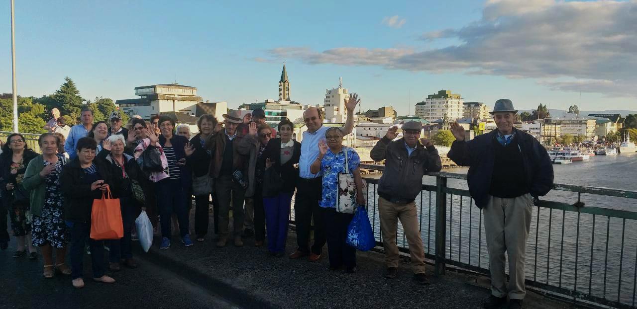 Dirigentes de la Unión Comunal de Adultos Mayores de Quilleco realizaron un viaje  inolvidable por Valdivia