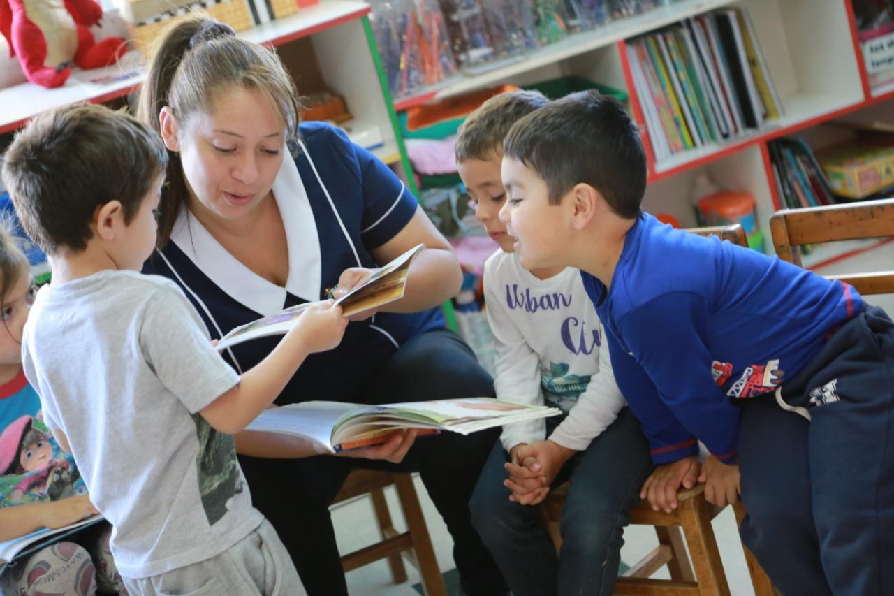 """Caja Viajera"""" un espacio en que la Biblioteca Municipal vuelve a desarrollar su proyecto de fomento a la lectura en escolares de la comuna"""