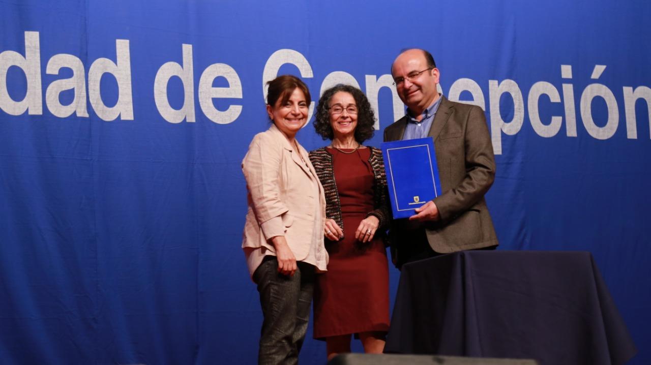 Alcalde Jaime Quilodrán firma acuerdo que permite que alumnos de establecimientos educacionales municipales  participen en Talento UDEC