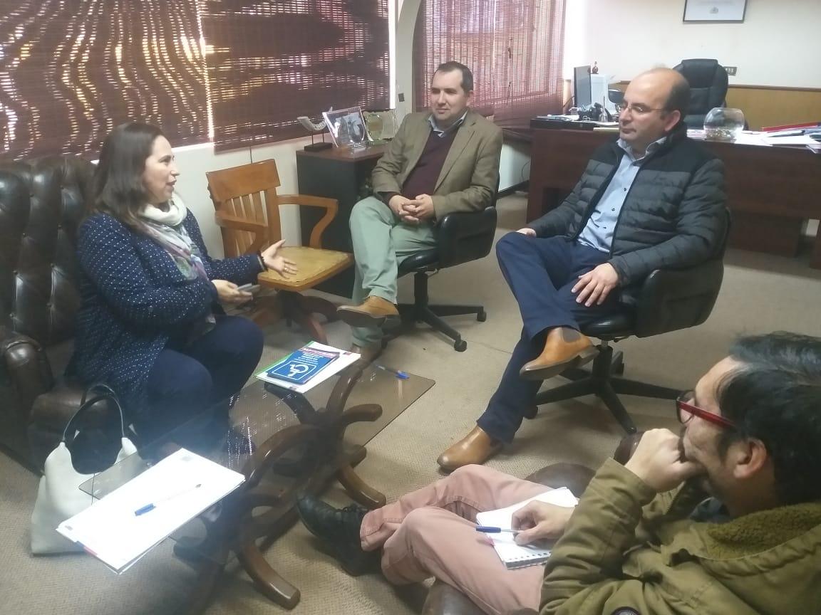 Edil quillecano  se reúne con la  Directora Regional del SENADIS para  reforzar criterios en torno a  la temática de la  discapacidad