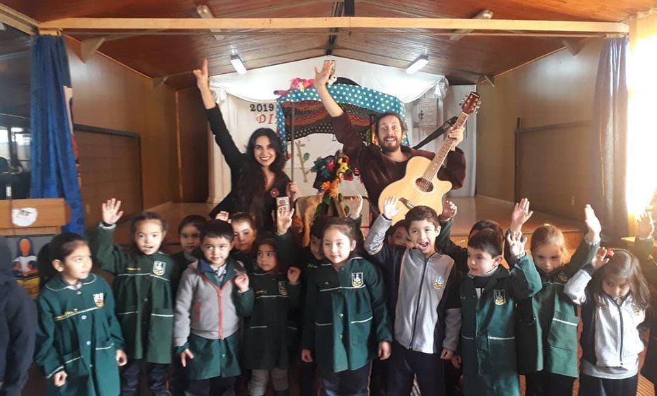 Alumnos  de establecimientos Educacionales vibraron con la visita de los Cuentacuentos Itinerantes  en el Día Mundial del Libro