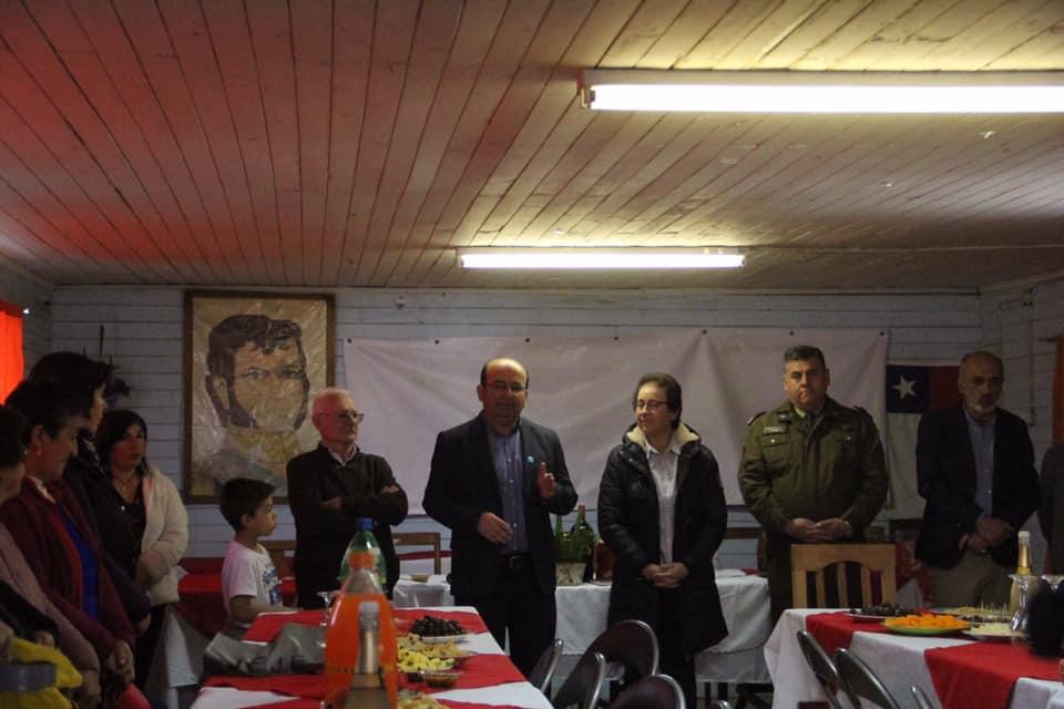 La JJVV de El Hualle realiza su ceremonia de cierre del Proyecto de Alarmas comunitarias. Iniciativa lograda gracias al trabajo conjunto entre la JJVV, el municipio y autoridades regionales.